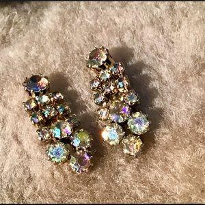 Jewelry - 🌲Vintage Sparkly Rhinestone Earrings